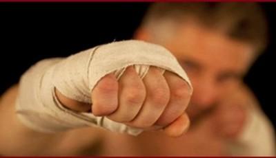Дальний боковой удар в боксе