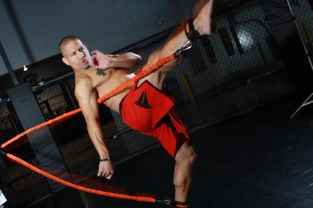 как увеличить скорость удара ногой