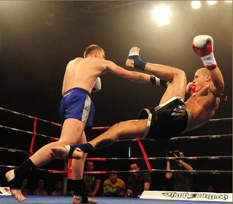 Комбинации ударов в боксе