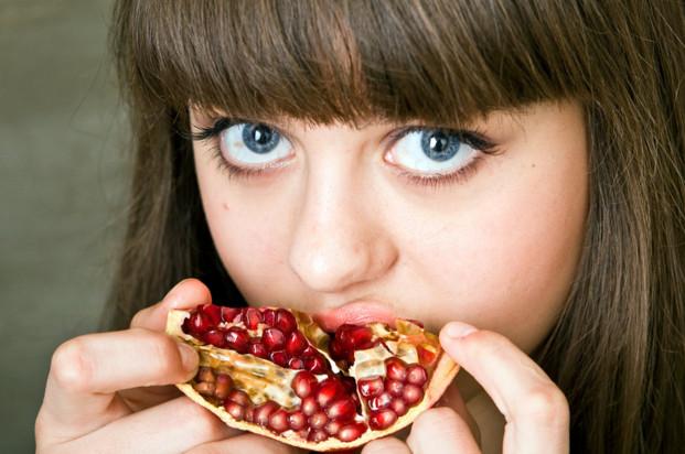 Витамины в гранате для детей